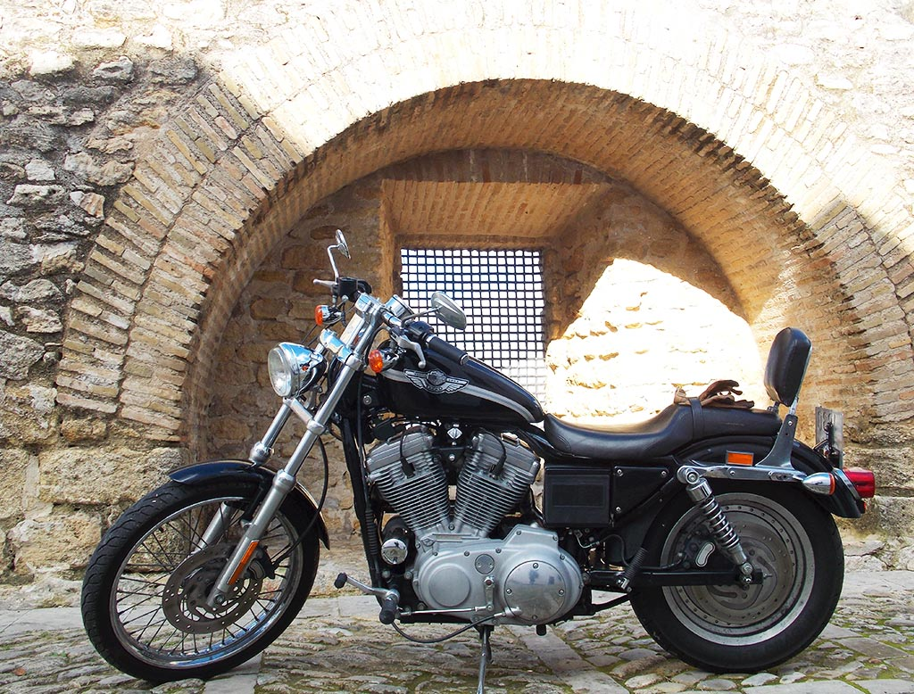 Harley para ruta por el Estrecho
