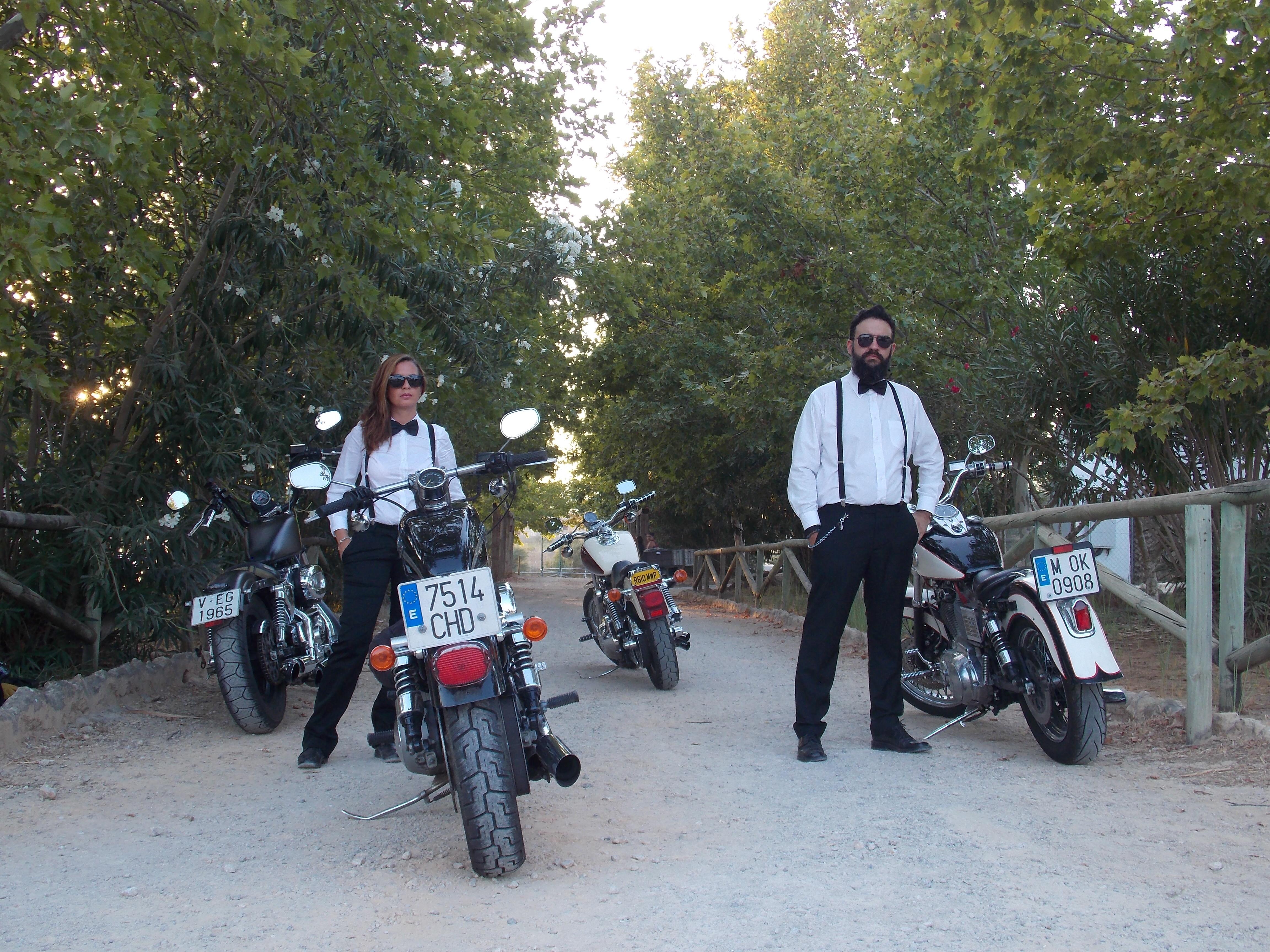Motos y acompañantes para bodas