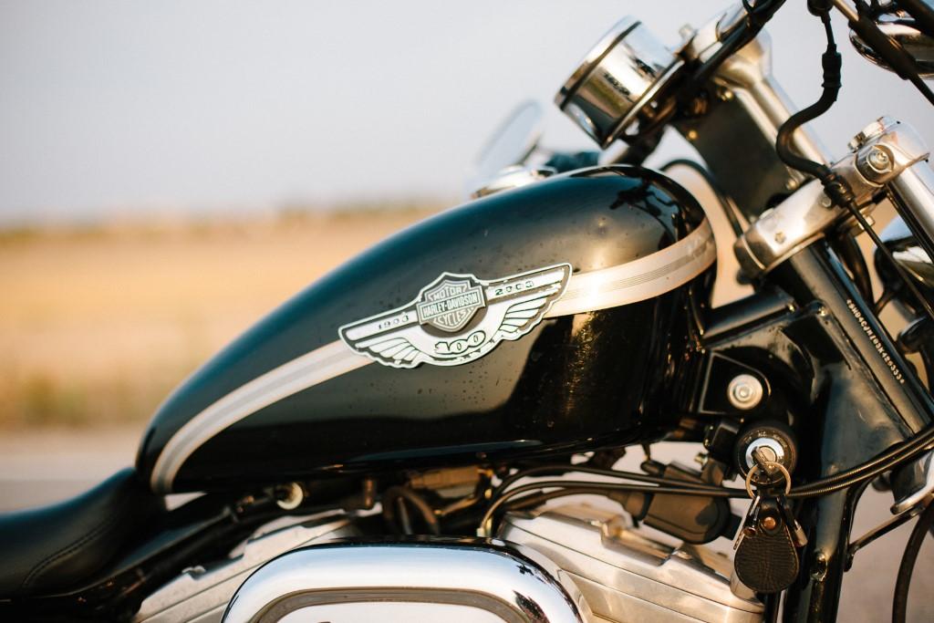 Detalle moto Harley en Sanlúcar