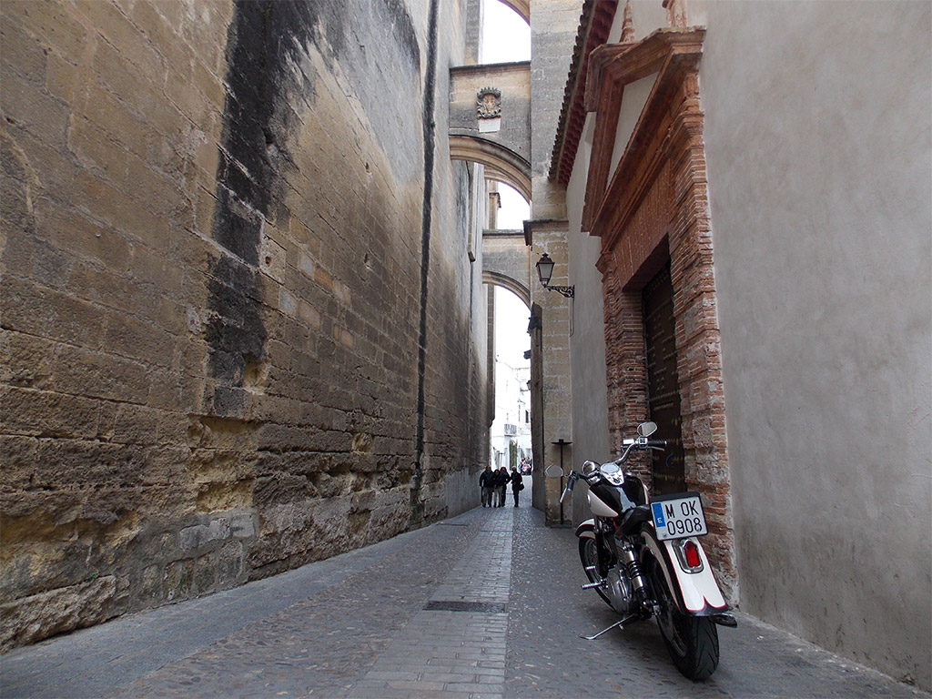 Ruta en moto por Benaocaz