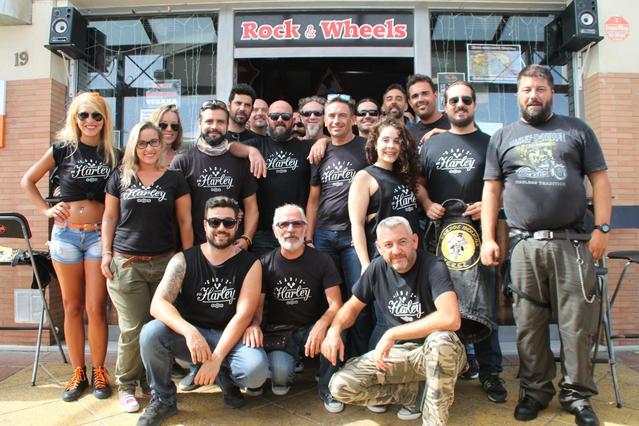 Reunión con motivo del primer aniversario de Cádiz en Harley