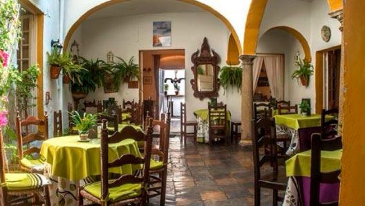 Salón para comer en San Roque
