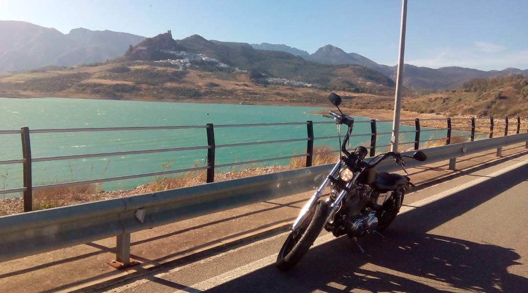 Cádiz en Harley | Ventajas de alquilar una moto