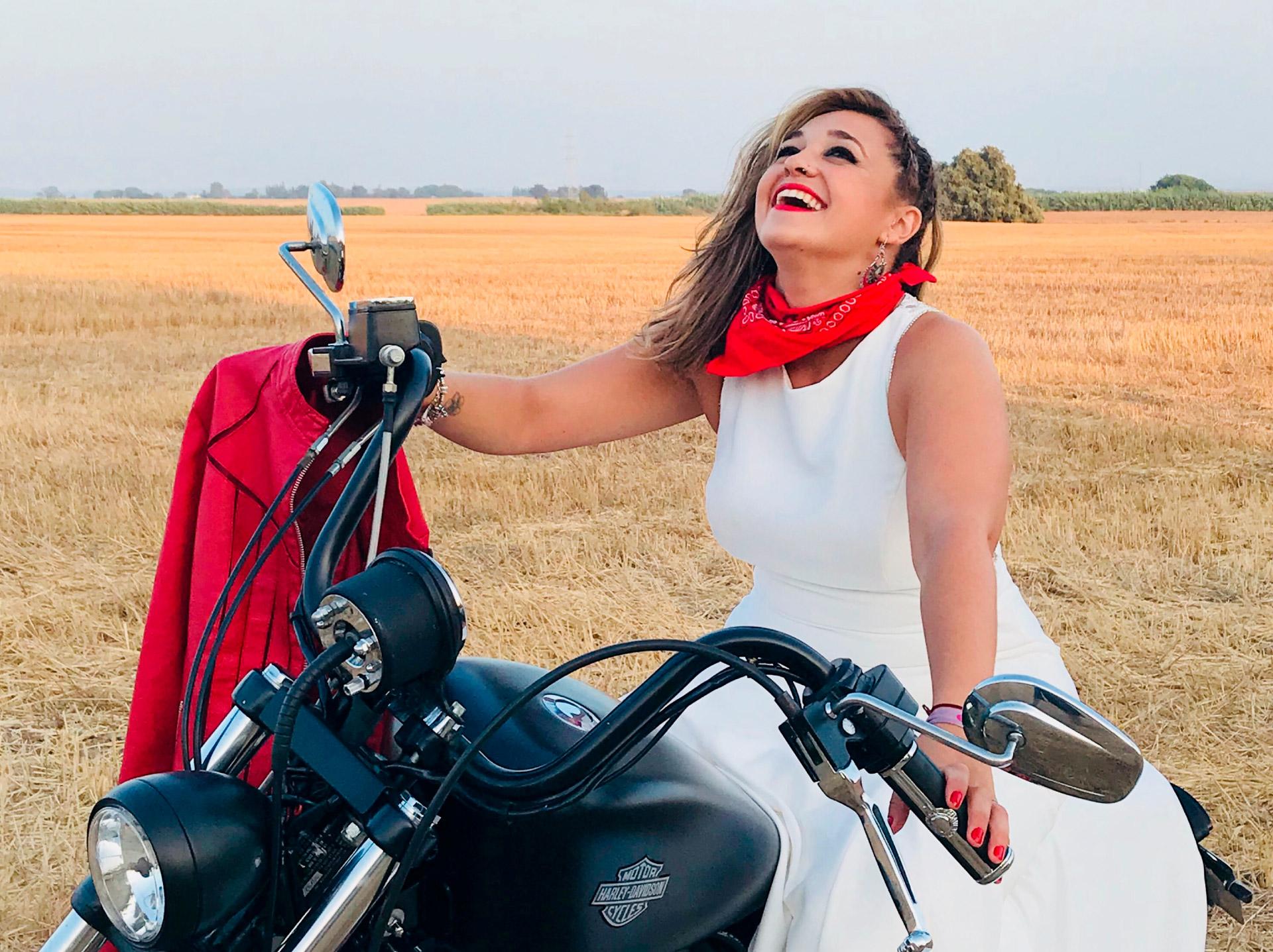 sesión de fotos para bodas con Harley Davidson